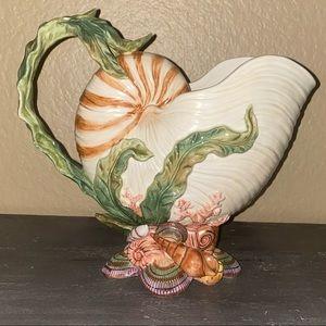Ceramic seashells decorative centerpiece